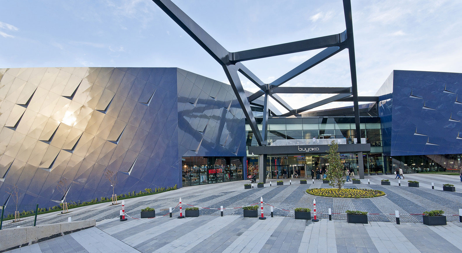 Buyaka Shopping Mall, Istanbul, Turkey, Dilekci Architects, Photography Faruk Kurtulus
