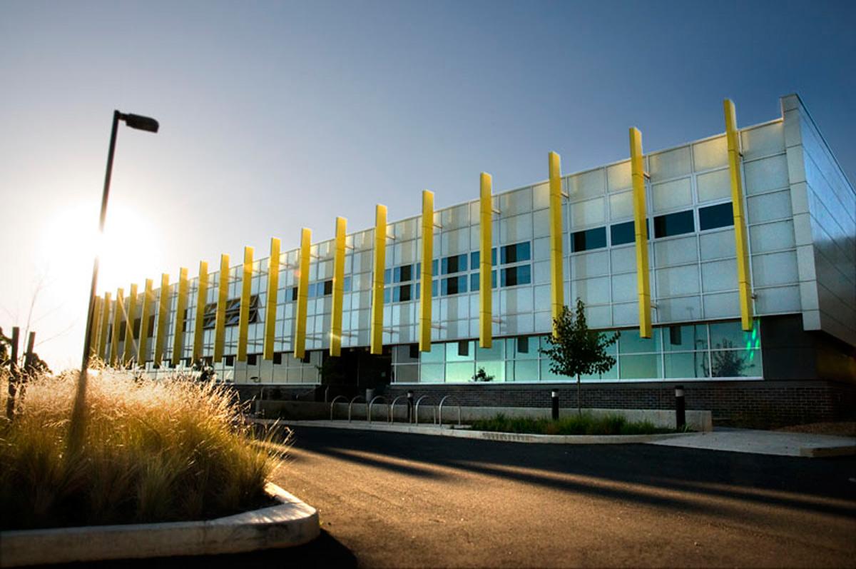 Charles Sturt University Orange NSW Australia Brewster HJorth Architects Fairview Ceramapanel Fiber cement AI Coatings Vitreflon Lumiflon FEVE Resin