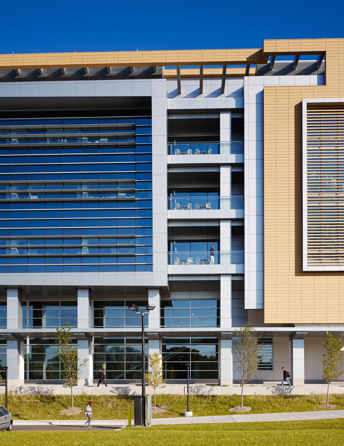 Kenwood Interdisciplinary Research Complex FLAD Architects John W McDougall Co Inc ALPOLIC ACM Valspar Valflon Lumiflon FEVE Resin