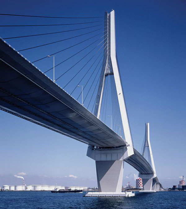 LUMIFLON FEVE Resin, Bridge Coatings, The Tsurumi Tsubasa Bridge, Japan