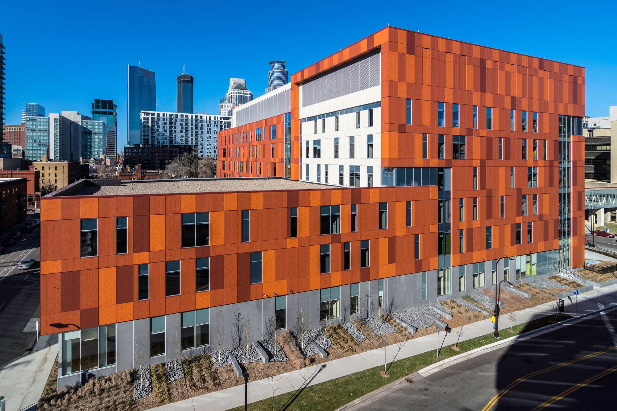LUMIFLON USA, Technical Specifications Architectural, Hennepin Medical Center
