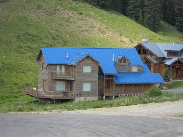 Lumiflon_FEVE_Based_Coatings_Make_Metal_Roof_Restoration_Easy_09