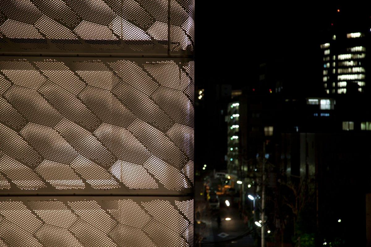 Marc Jacobs Tokyo Building Japan Jaklitsch Gardner Architects ALPOLIC ACM Lumiflon FEVE Resin