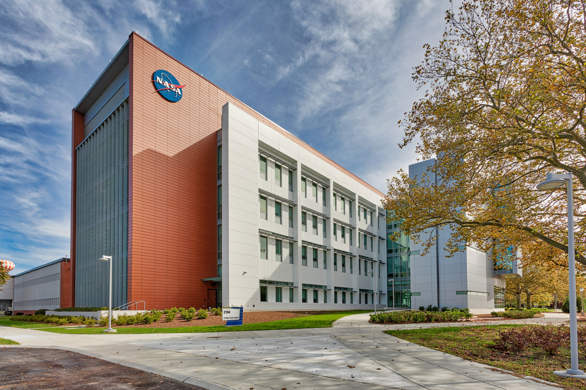 NASA Langley, Measurement Systems Laboratory, Hampton, Virginia, AECOM WM Jordan, CEI Materials, Scott Wertz, Exterior, Daytime, 6