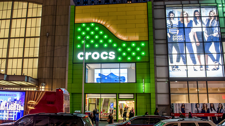 143fcd70070caa NYC Retail Storefront Stands Out With Vibrant Exterior Facade Using Valflon  Coating System