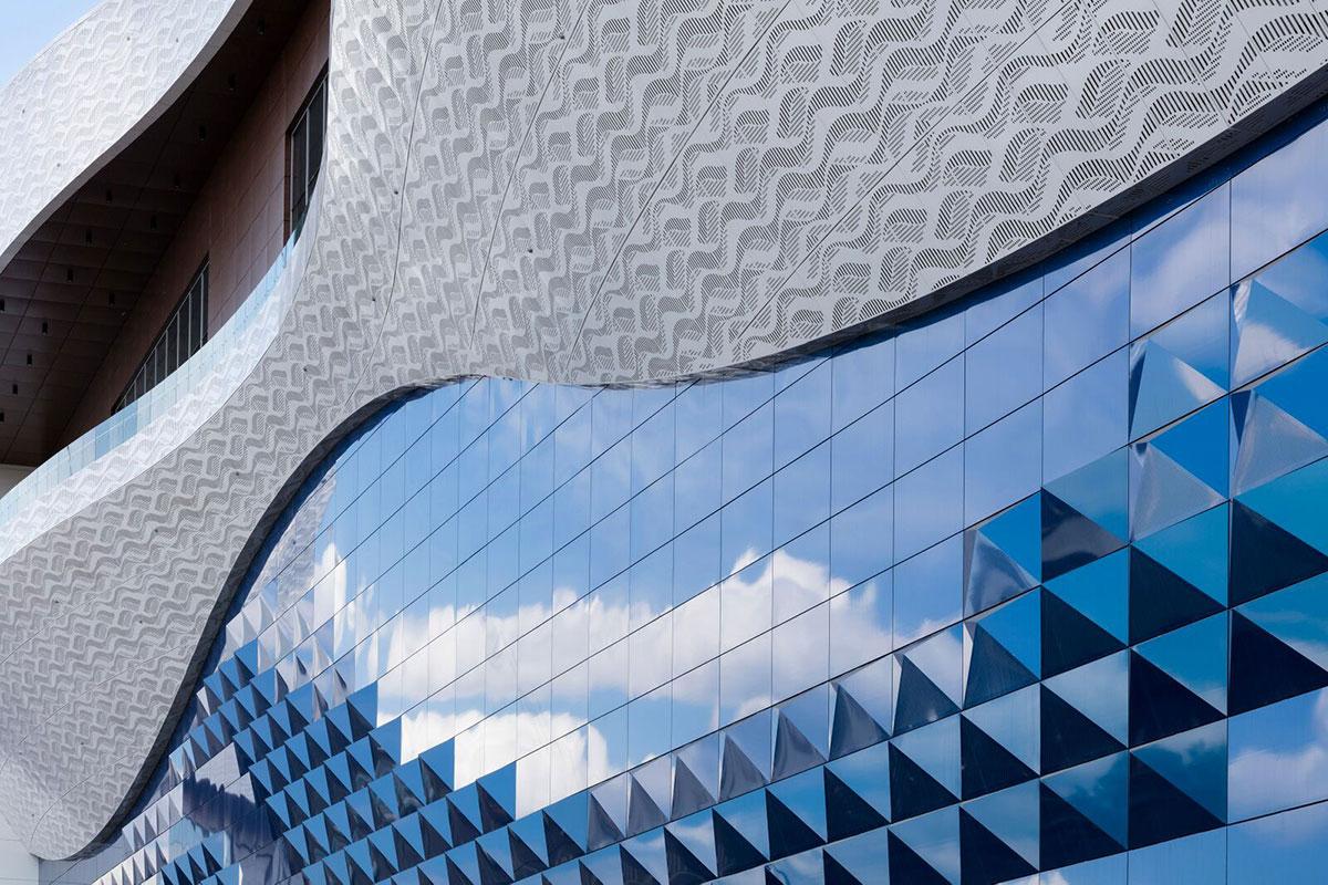 Riviera Shopping Mall Moscow Alucobond A2 Spectra Ocean 5 Design Dekoral Coatings Lumiflon FEVE Resin Photography Daniel Sumesgutner