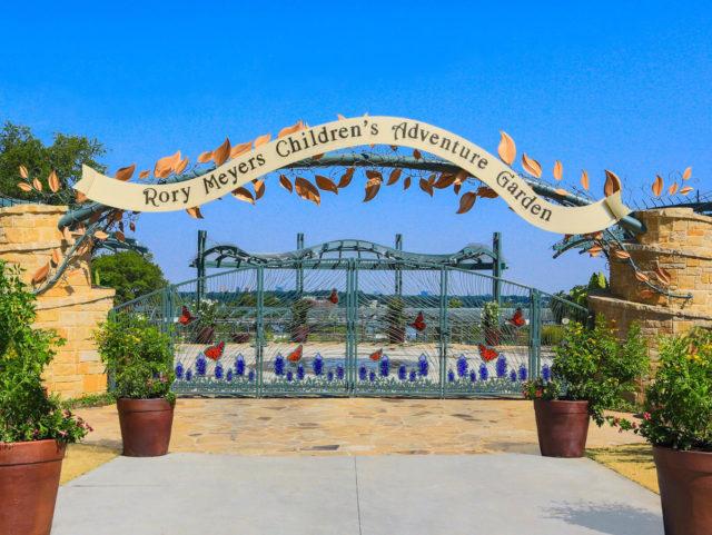 Rory meyers children's adventure garden dallas texas dattner architects tnemec fluoronar lumiflon feve resin