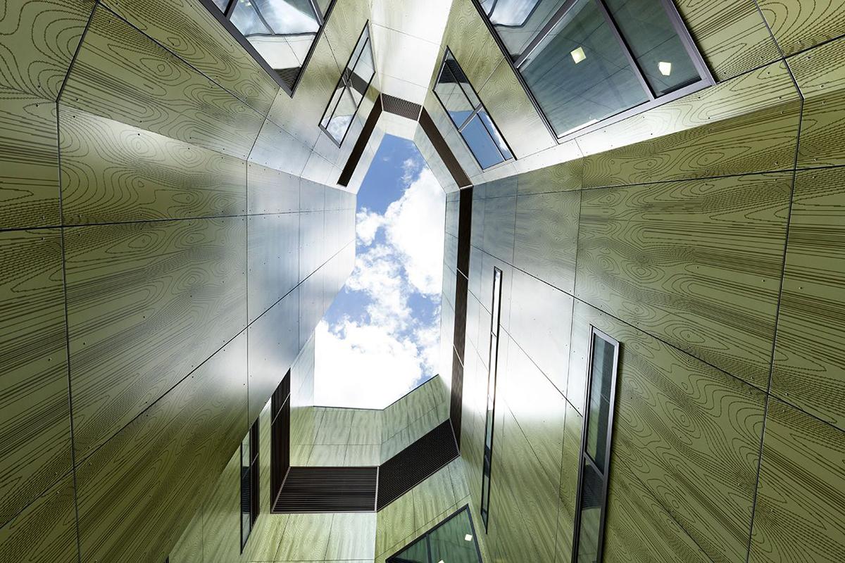 Stage 3 Frankston Hospital Lyons Architects Australia Vitragroup Vitrapanel Lumiflon FEVE Resin AI Coatings Vitreflon ALPOLIC ACM