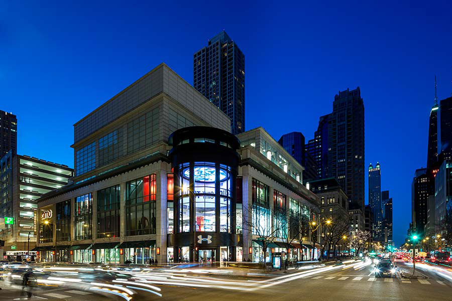 Under Armour, Chicago, Storefront, LUMIFLON Prefinished Aluminum Panels, MG McGrath, Pure Freeform, FRCH Design Worldwide, Photography MG McGrath
